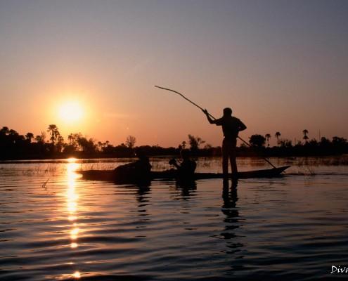 Mokoro Sun-downer boat trip Okavango by Divava Resort & Spa