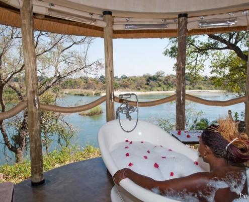 Spa / therapy bath